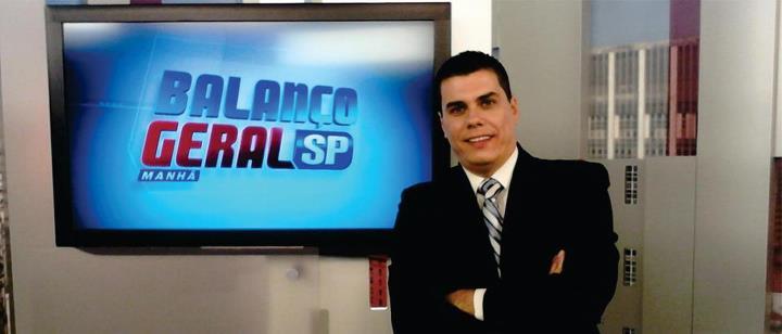 Giuliano Marcos no antigo estúdio do Balanço Geral SP