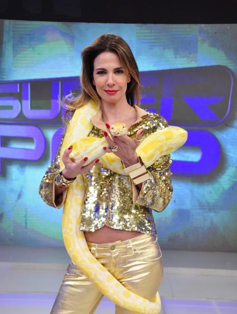Monica Iozzi Diz Que Luciana Gimenez E Um Grande Nome Do Talk Show Brasileiro Tv Foco