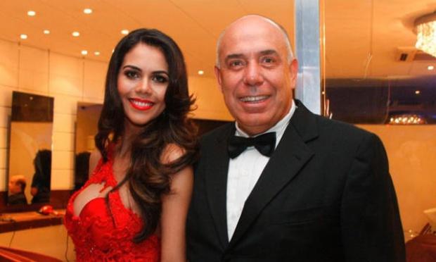 Amilcare Dallevo ao lado da mulher Daniela Albuquerque. Ele é um dos donos da RedeTV!