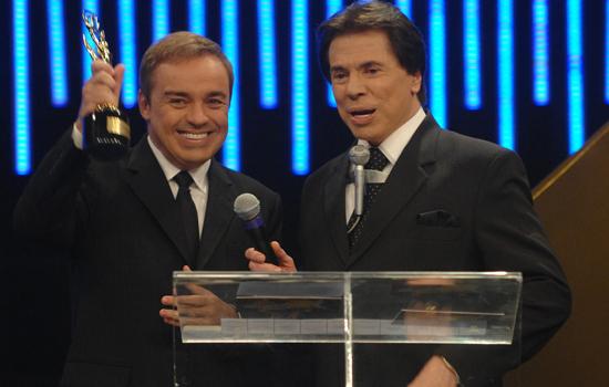 O apresentador da Record, Gugu Liberato é flagrado com Silvio Santos e público comemora a volta do apresentador para o SBT
