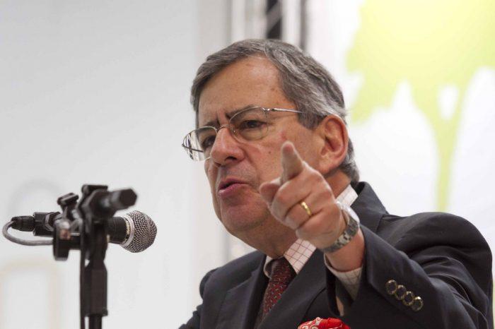 """Paulo Henrique Amorim comandava o """"Domingo Espetacular"""". (Foto: Reprodução/Record)"""