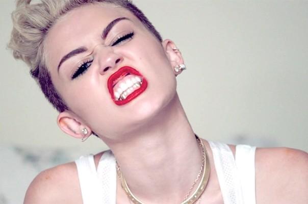 Miley Cyrus passou por grande sufoco ao lado da sua família em avião (Foto: Divulgação)