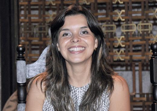 Vivian de Oliveira é conhecida por adaptar textos bíblicos (Divulgação/R7)