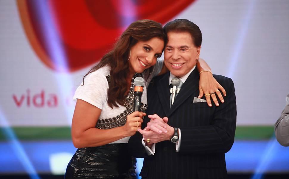 Ivete Sangalo ao lado de Silvio Santos em 2013
