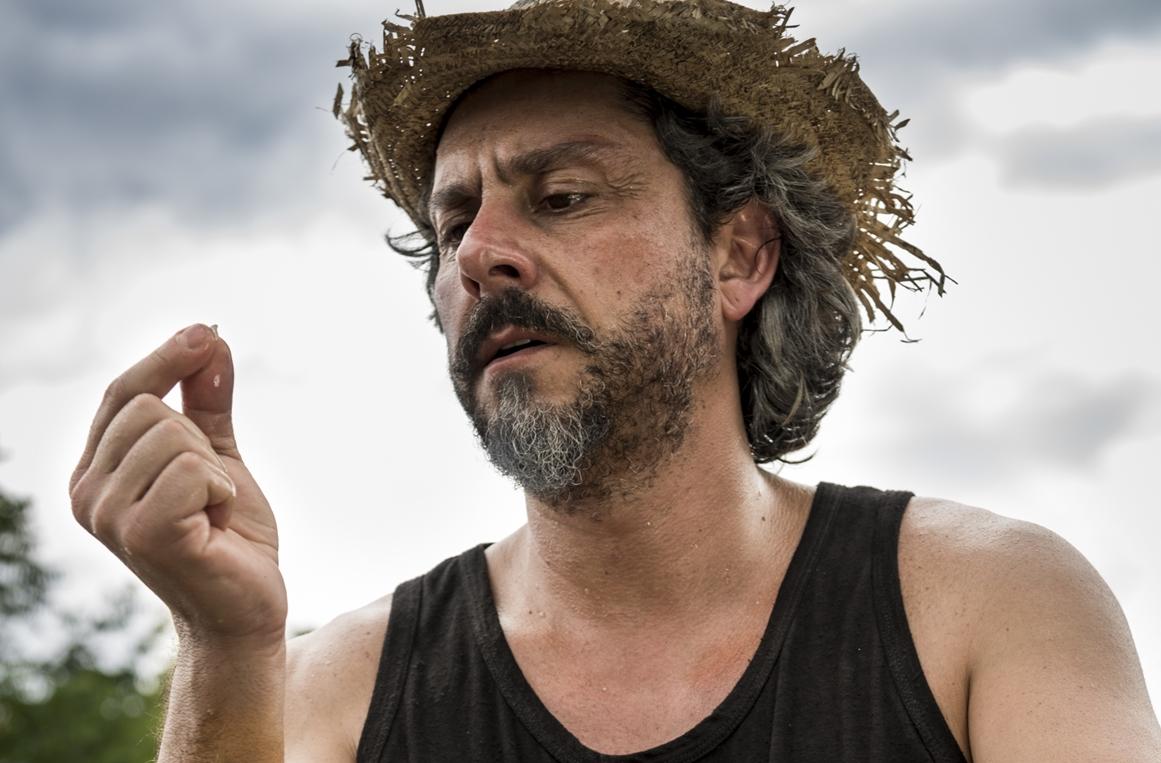 José Alfredo (Alexandre Nero) no garimpo (Foto: Globo/Ellen Soares)
