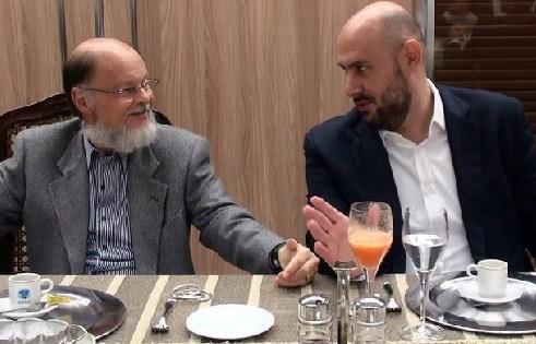 Edir Macedo e Douglas Tavolaro, seu biografo (Foto: Divulgação)