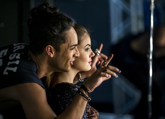 Angel (Camila Queiroz) e Visky (Rainer Cadete) (Foto: Globo/Estevam Avellar)