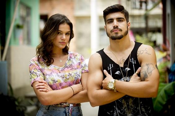Mari (Bruna Marquezine) e Grego (Caio Castro) (Foto: Globo/João Miguel Júnior)