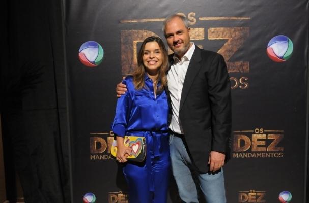 Alexandre Avancini com autora de Os Dez Mandamentos (Foto: Divulgação)