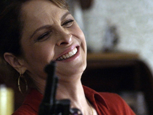 Drica Moraes interpreta Carolina na novela (Foto: Divulgação)