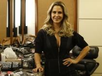A atriz exibe boa forma na TV (Foto: Divulgação)