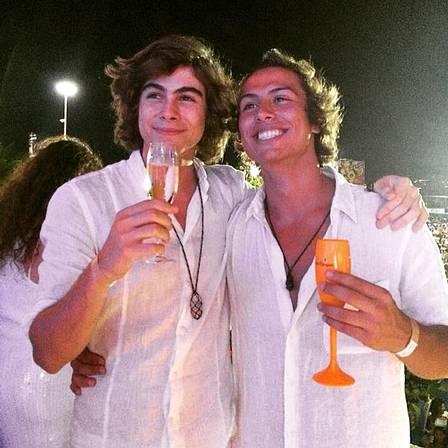 Francisco Vitti ao lado do irmão, Rafael Vitti (Foto: Divulgação)