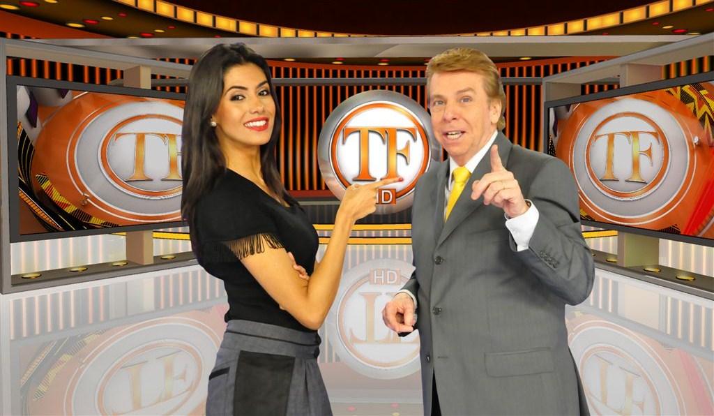 Nelson Rubens e Flávia Noronha comandam o programa (Foto: Divulgação)