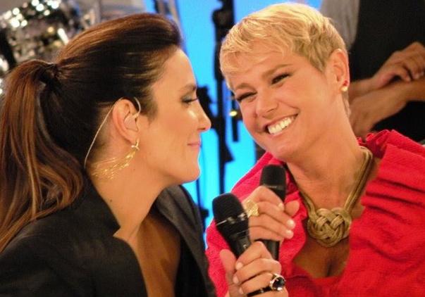 A famosa apresentadora da Record, Xuxa Meneghel explicou porque ela e Ivete Sangalo, ex-jurada do The Voice da Globo, ficaram sem se falar (Foto reprodução)