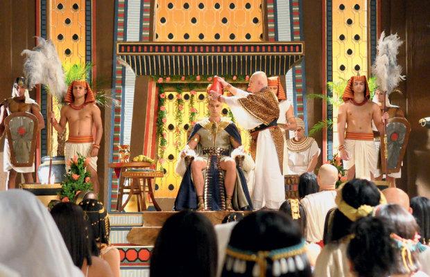 A cena da coroação de Ramsés (Foto: Divulgação)