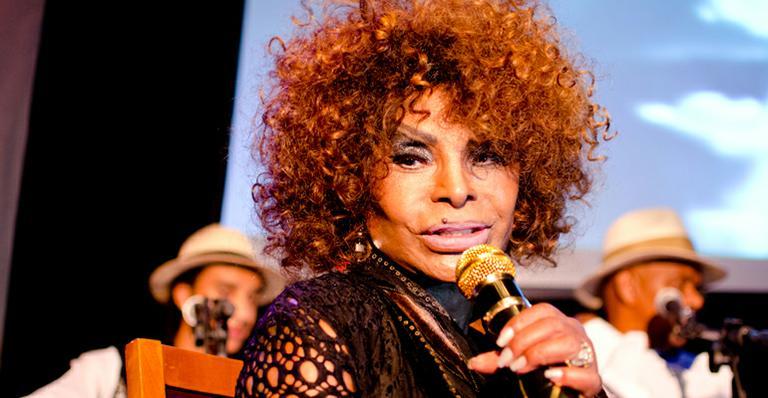 Elza Soares cantou música com palavrão no Encontro (Foto: Divulgação)