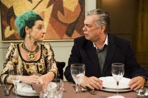 Silvéria (Ilana kaplan) e Fradique (José Rubens Chachá) (Foto: Globo/João Miguel Júnior)