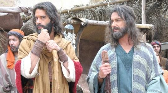 Guilherme Winter  e Petrônio Gontijo em cena (Foto: Divulgação)