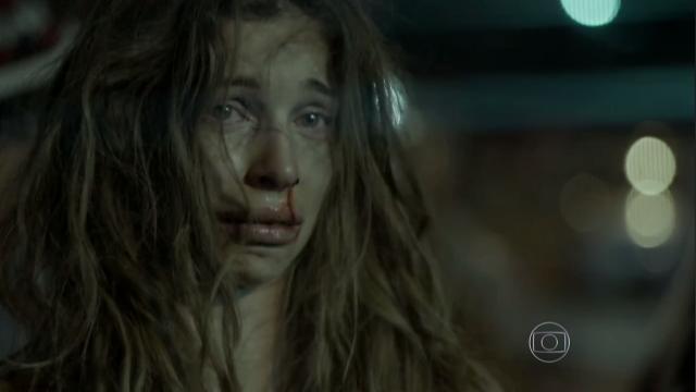 """Grazi viveu a viciada Larissa em """"Verdades Secretas"""" (Foto divulgação Globo)"""