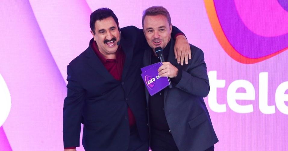 Gugu e Ratinho durante o Teleton (Foto: Divulgação)