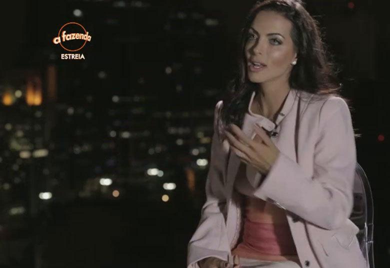 Carla Prata. Foto do site da O TV Foco que mostra Carla Prata já está pronta para o Carnaval