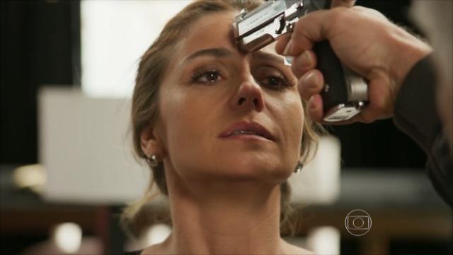 """Giovanna Antonelli como Atena em cena de """"A Regra do Jogo"""" (Foto: Reprodução/Globo)"""