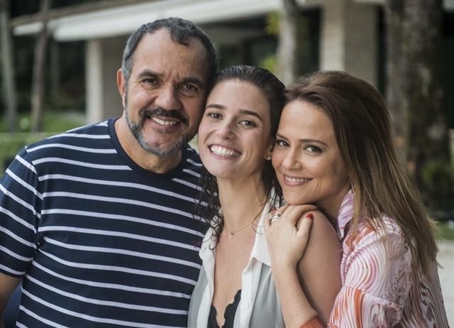 Sofia (Priscila Steinman), Lili (Viviane Pasmanter) e Germano (Humberto Martins) (Foto: Globo/Renato Rocha Miranda)