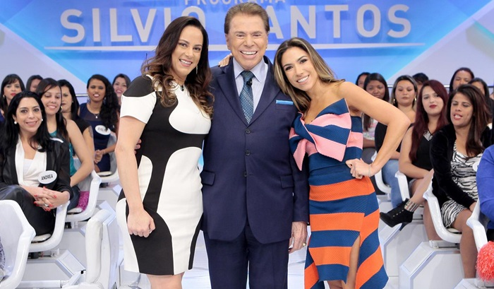 """Silvia, Silvio e Patricia durante o """"Programa Silvio Santos"""" (Foto: Lourival Ribeiro/SBT)"""