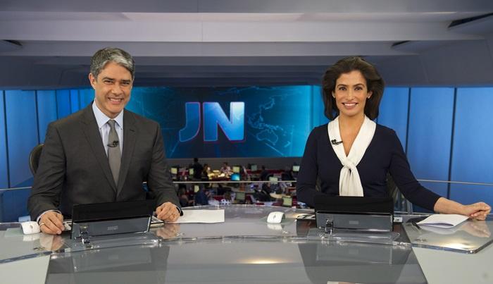 "William Bonner e Renata Vasconcellos comandam o ""Jornal Nacional"" (Foto: Globo/Estevam Avellar)"