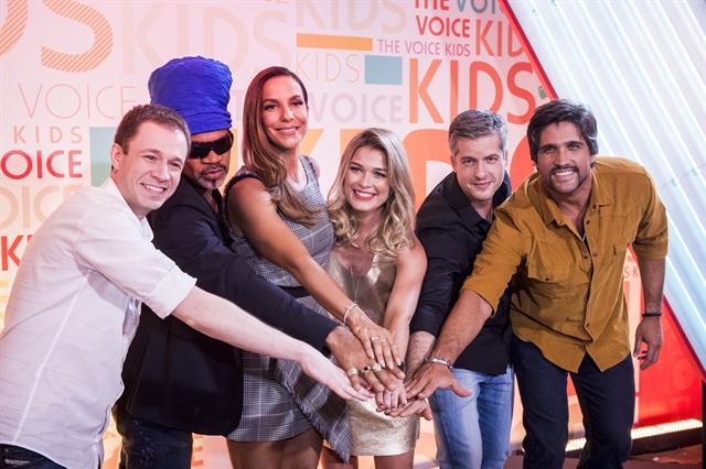 Tiago Leifert, Carlinhos Brown , Ivete Sangalo, Kika Martinez, Victor e Leo (Foto: Globo/João Cotta)