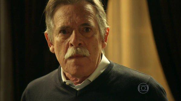 """Gibson (José de Abreu) em cena de """"A Regra do Jogo"""" (Foto: Reprodução/Globo)"""