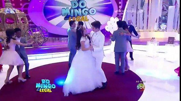 """Festa de Larissa Manoela aconteceu ao vivo no """"Domingo legal"""" (Foto: Reprodução/SBT)"""