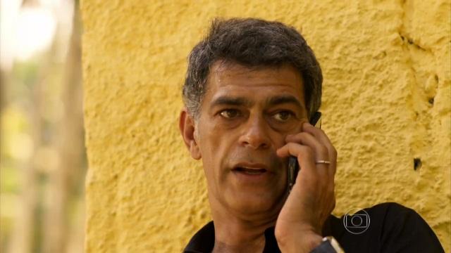 """Eduardo Moscovis (Orlando) em cena de """"A Regra do Jogo"""" (Foto: Reprodução/Globo)"""