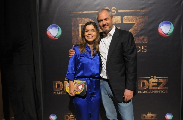 """Vivian de Oliveira e Alexandre Avancini, autora e diretor de """"O Apocalipse""""  (Foto: Divulgação)"""
