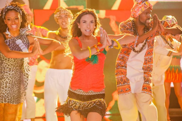 Patrícia Abravanel imita Shakira (Foto: Divulgação/SBT)
