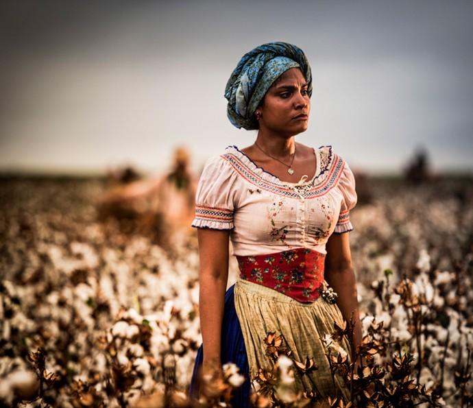 Barbara Reis, fiel escudeira de Encarnação (Selma Egrei) (Foto: Cauiá Franco/ Globo)