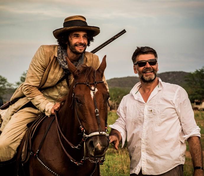 Rodrigo Santoro e o diretor Luiz Fernando Carvalho (Foto: Cauiá Franco/ Globo)