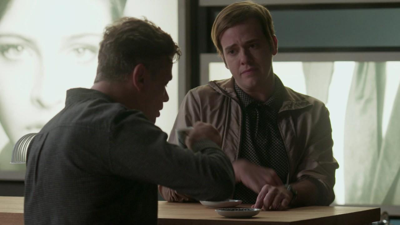 Max (Pablo Sanábio) contracena com Arthur (Fábio Assunção) em Totalmente Demais (Foto: Reprodução/Globo)