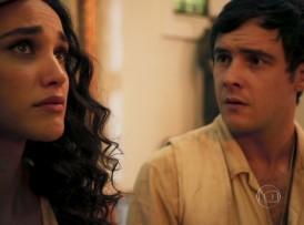 """Filomena (Débora Nascimento) e Candinho (Sergio Guizé) em cena de """"Êta Mundo Bom"""" (Foto: Reprodução/Globo)"""