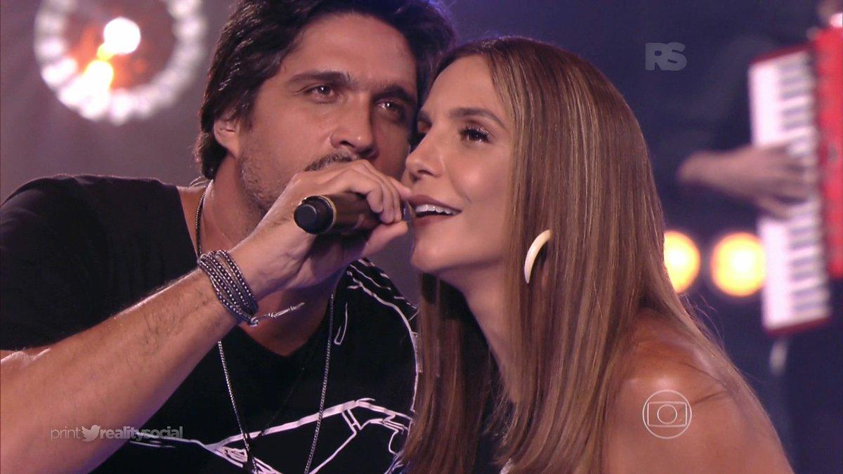 """Léo e Ivete Sangalo no """"The Voice Kids"""" de ontem (21) (Foto: Reprodução/Globo)"""