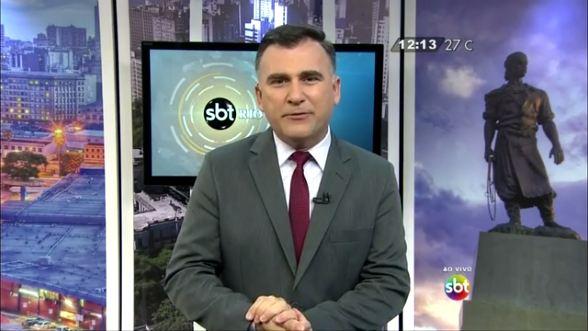 """Marcelo Coelho apresenta o """"SBT Rio Grande"""" (Foto: Reprodução/SBT RS)"""