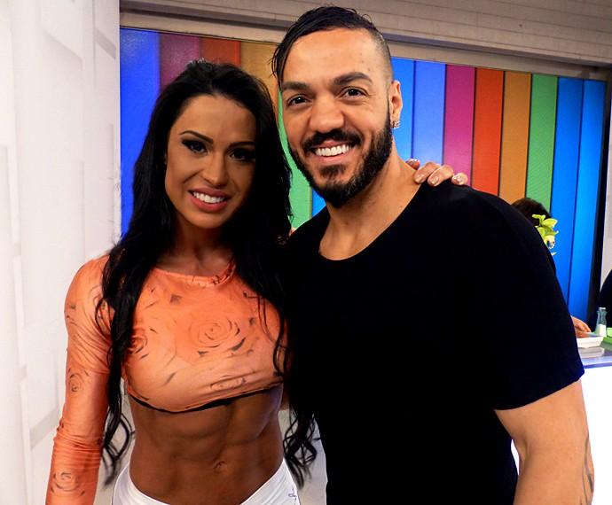 O cantor Belo fez uma linda declaração de amor para Gracyanne Barbosa (Foto: Divulgação)
