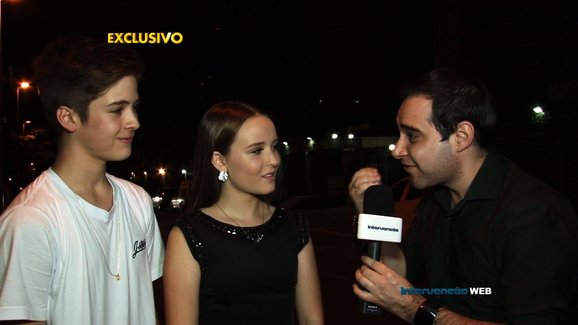 Roger Turchetti entrevista João Guilherme e Larrisa Manoela (Foto: Reprodução)