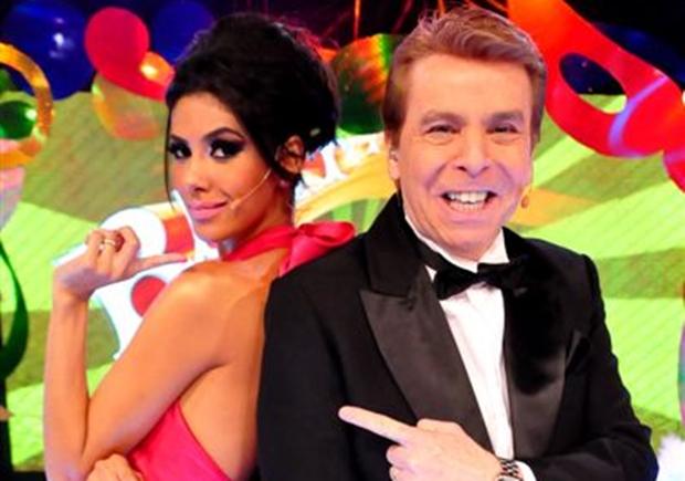 """Nelson Rubens e Flávia Noronha comandam o """"Bastidores do Carnaval"""". (Foto: Divulgação)"""