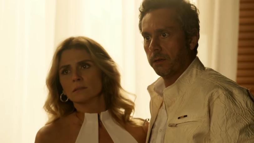"""Atena (Giovanna Antonelli) e Romero (Alexandre Nero) em cena de """"A Regra do Jogo"""" (Foto: Reprodução/Globo)"""