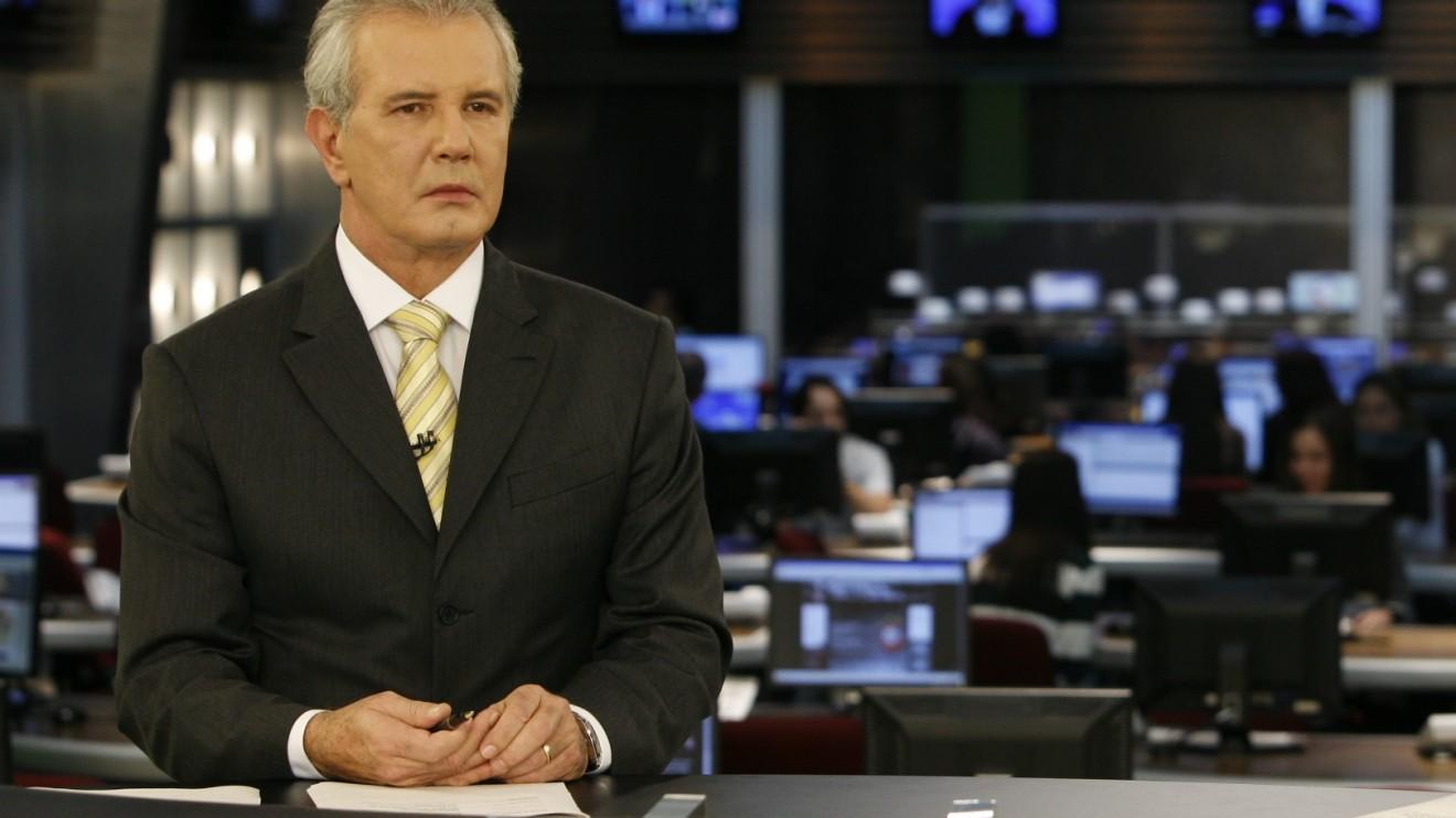 """Celso Freitas comanda o """"Jornal da Record"""" (Foto: Divulgação)"""