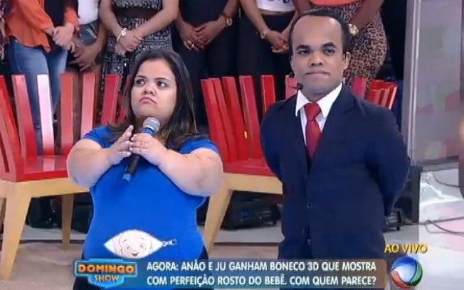 Marquinhos e a esposa, Juliana Santos (Foto: Reprodução/Record)
