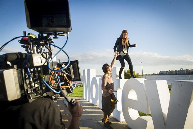 Bastidor de gravação em Montevideo - Eliza (Marina Ruy Barbosa) e Rafael (Daniel Rocha) (Foto: Globo/João Miguel Júnior)
