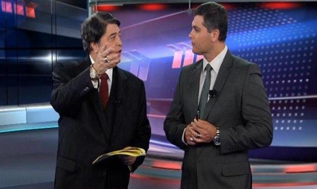 Joel Datena e seu pai José Luiz Datena no programa Brasil Urgente (Foto: Reprodução)