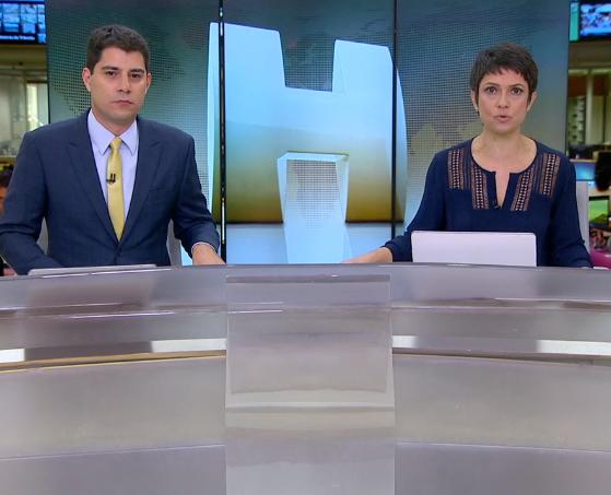 """Evaristo Costa e Sandra Annenberg no """"Jornal Hoje"""" de ontem (01), que ficou em segundo lugar (Foto Reprodução/Globo)"""